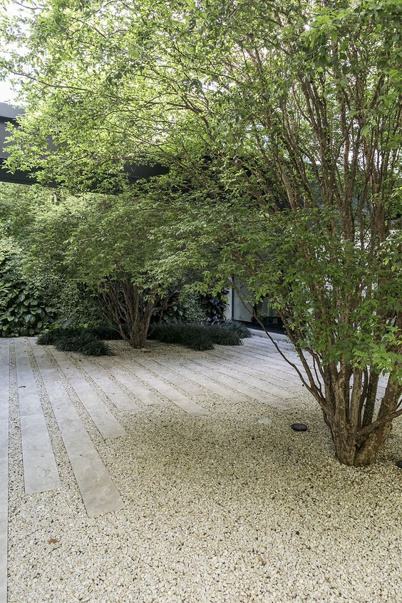 Floor covered with gravel.