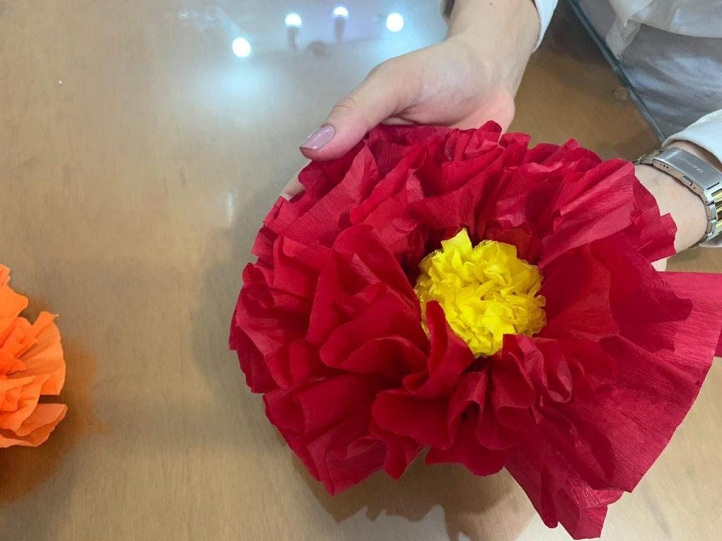 Tutorial paper flowers for decoration 23